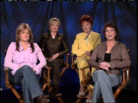Celebrity News and Gossip – The Brady Bunch and Happy Days Mom's Let Their Hair Down.