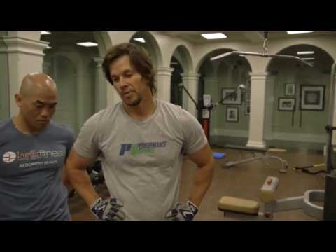Celebrity Fitness with Mark Wahlberg | Workout 2017