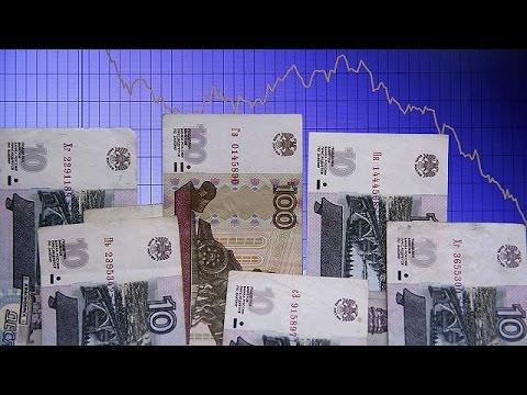 Ρωσία: Σε ιστορικά χαμηλά το ρούβλι – Οικονομική ασφυξία για χιλιάδες δανειολήπτες