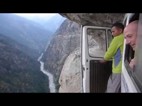 Insane Bus Ride in The Himalayas!-Getting To The Mountains Is Exciting As Climbing Them (видео)