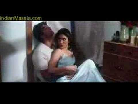 Video kareena Kissing download in MP3, 3GP, MP4, WEBM, AVI, FLV January 2017