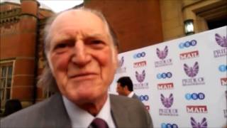 Jul 1, 2017 ... Doctor Who - David Bradley Returning To Doctor Who As The First Doctor ... The n12th Doctor Meets The 1st Doctor! - Duration: 1:21. Doctor ...
