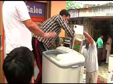 [VIDEO]Making lassi in washing machine to combat heat wave in Jammu xD