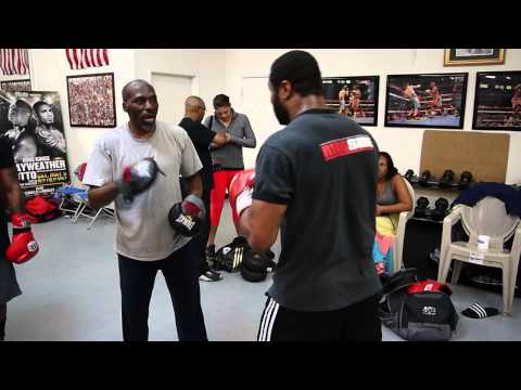 Jean Pascal padwork with Roger Mayweather
