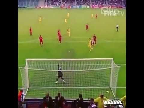 Các thủ môn không thích những cú sút như thế này