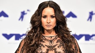 Video Demi Lovato Frees The Nipples With See-Through 2017 MTV VMAs Outfit MP3, 3GP, MP4, WEBM, AVI, FLV Juni 2019