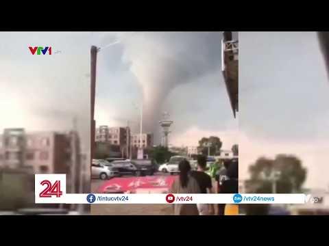 Lốc xoáy kinh hoàng tại Trung Quốc | VTV24