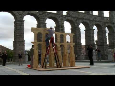 Building a tulipwood aqueduct in Segovia - a timelapse