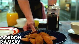 Download Lagu Lemon & Poppy Seed Madeleines - Gordon Ramsay Mp3