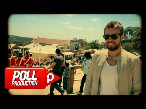 Daha İyisi Gelene Kadar feat Derya Atahan Video Klibi İzle