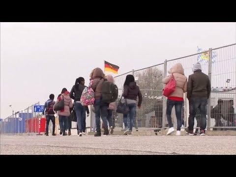 WIDERRUFPRÜFUNGEN: Renitenten Asylbewerbern drohen drastische Strafen