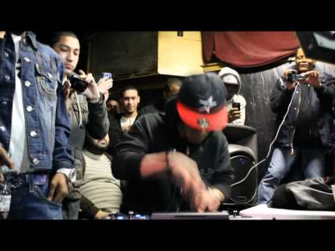 araab muzik - MPC Battle of Araabmuzik vs 8th Wundah at Winter Wars 1, (Full Battle) Hosted by Math Hoffa in Downtown Providence, Rhode Island Edited by: Anthony Almeida, ...