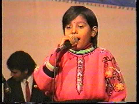 Download Baby Sunidhi Chauhan with DO RE MI LiveMusic | 31.12.92 | hd file 3gp hd mp4 download videos