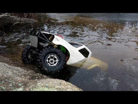 RC Truck Can Drive Under The Ice