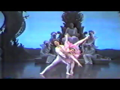 Nutcracker pas de deux Li Cunxin Janie Parker  Houston Ballet 1989