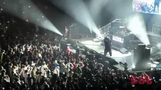"LL Cool J and Run DMC rock ""Christmas in Brooklyn!"""