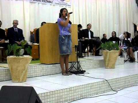 Aquila louvando a Deus na Assembléia de Deus em Serranopolis