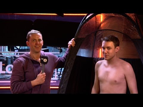 Scott - Scott Mills persuades Chris Stark to get a spray tan!