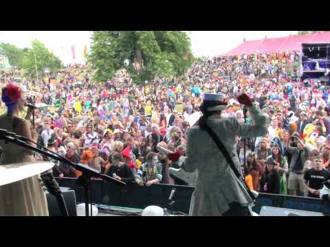 Say Yes (To Everything) - LIVE at Secret Garden Party 2011.