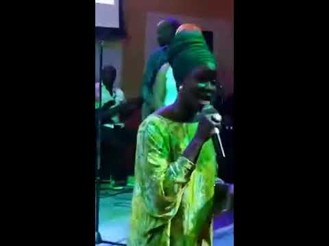 SHOLA ALLYNSON CHALLENGES SO CALLED CHRISTIAN'S LIVE ON STAGE