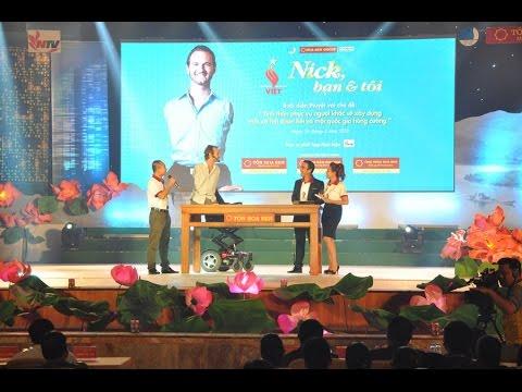 Nick diễn thuyết tại Nghệ An