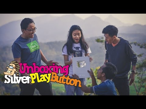 BERAPA GAJI 100.000 SUBSCRIBER ???  ( Unboxing silver play button )