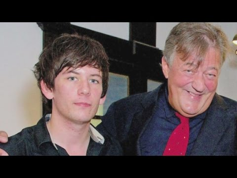 British comedian Stephen Fry is getting married