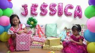 Video Wow...... Jessica Jenica Buka Kado Ulang Tahun 💖 Apa aja ya isinya.....??? 💖 OPEN BIRTHDAY PRESENTS MP3, 3GP, MP4, WEBM, AVI, FLV Mei 2018