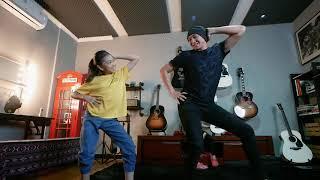 Download Video MANJI DIKERJAIN KAKAK ZARA LEOLA SAAT LATIHAN DANCE MP3 3GP MP4