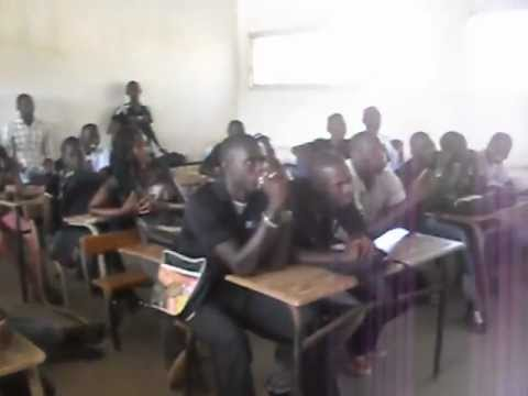 Impromptu English class at a Dakar high school while researching for my ISP