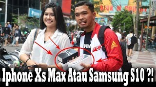 Video Give Away Iphone Xs Max Dan Samsung S10 Dijalan !! Sosial Experiment !! MP3, 3GP, MP4, WEBM, AVI, FLV Juli 2019