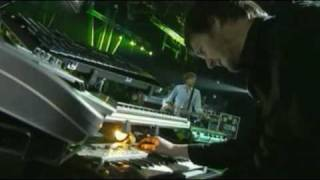 AIR - La Femme D'Argent (Live in France, 2007)      - YouTube