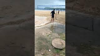 Piscinão de Ramos na praia de São Tomé de Paripe