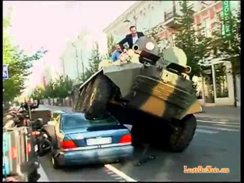 Mayor combats illegal parking with tank in Lithuania