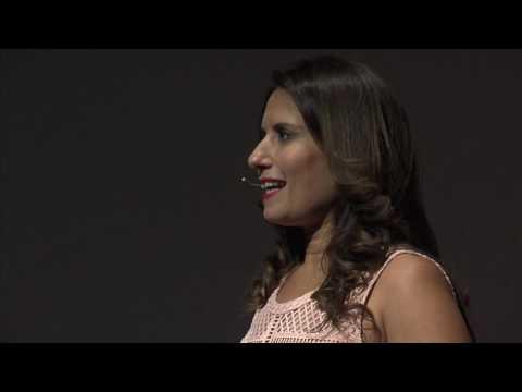 De la célébrité à l'anonymat. Comment revenir sous les projecteurs?   Orly Solomon   TEDxGeneva