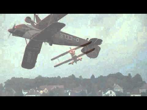 Akrobacie EELE na letišti Chrudim, natočil MAN Film