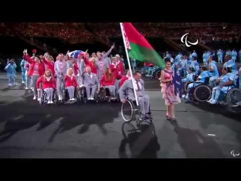 Белорусы пронесли флаг России на церемонии открытия Паралимпиады в РИО