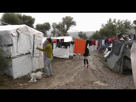 ΜΚΟ: Παγιδευμένοι οι πρόσφυγες στα ελληνικά νησιά