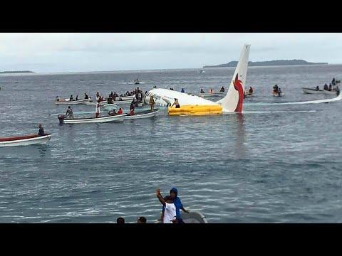 Notlandung bei Mikronesien dank Landung im Wasser o ...