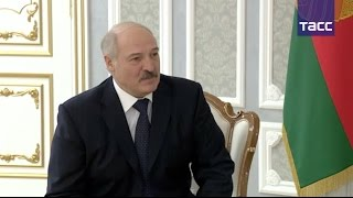 """Лукашенко назвал Путина """"родным братом"""""""