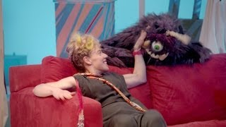 tUnE-yArDs - Water Fountain (Official Video) - YouTube