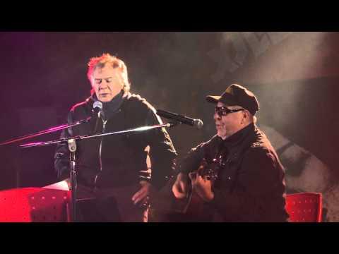 León Gieco video La colina de la vida con Víctor Heredia - Inauguración Fundación Mercedes Sosa 2016