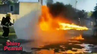 Video Siapa yang Menang? Ketika Pemadam Menghadapi Kekuatan Api yang Besar MP3, 3GP, MP4, WEBM, AVI, FLV Maret 2019