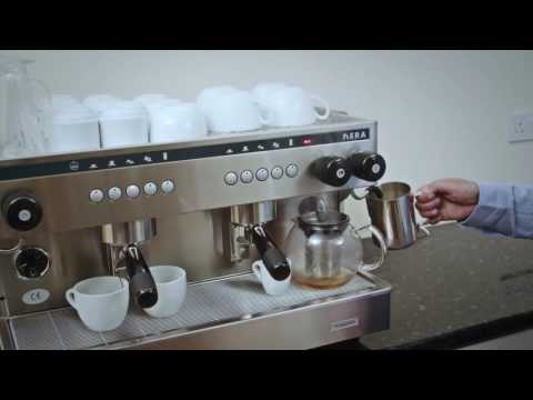 The Visacrem Nera Espresso Machine - Captioned