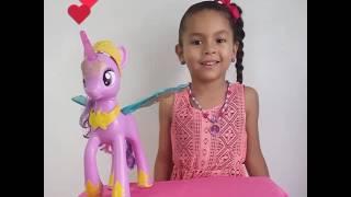 En este nuevo video les muestro todas las funciones de Twilight Sparkle y a las preciosas muñequitas Lil' Cutesies. Espero que les guste 🤗😊