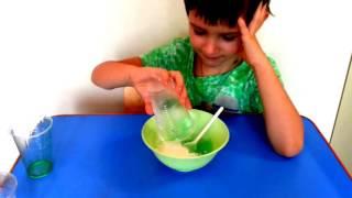 Эксперимент: Делаем лизун (антистресс) из соды и средства для мытья посуды