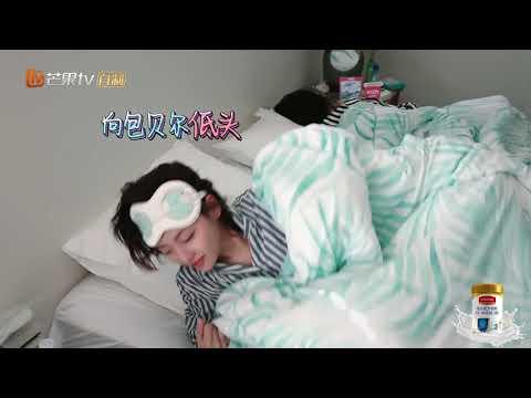 包贝尔魔性叫醒服务,无法撼动谢娜雷打不动的婴儿般睡眠《妻子的浪漫旅行2》VIVA LA ROMANCE S2 EP4花絮【湖南卫视官方HD】 - Thời lượng: 116 giây.