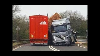 Video How To Not Drive Your Car on Russian Roads MP3, 3GP, MP4, WEBM, AVI, FLV Maret 2019