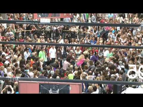 Flash Mob - Michael Jackson Tribute