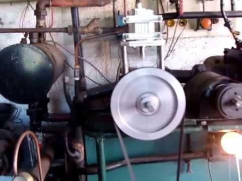 moteur vapeur - fonctionnement du moteur vapeur de stef puissance 400w a 6bars sans lubrification piston 50mn course 50mn un tres bon fonctionnent et tres souple la chaudier...